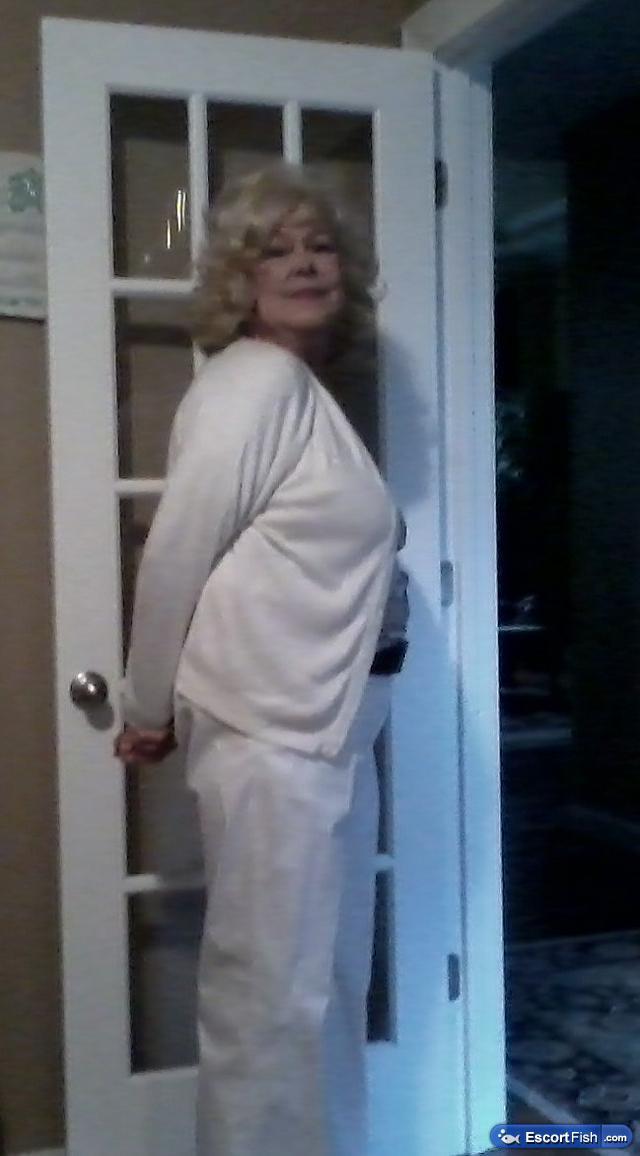 Licensed Massage Therapist Glenda Louisville Ky