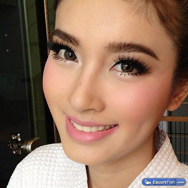 Wedding Guest Makeup Blue Eyes : Gorgeous latinas Masseuses 818-994-1515 Asian Touch ...